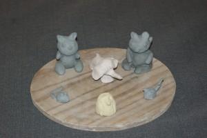 modelage réalisé par une enfant de 3ans décoré avec des engobes