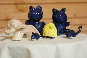 Réalisation en modelage de petits oursons,éléphant,souris,hibou décoré aux engobes et émaillés