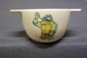 Bol en faïence blanche décor tortue Ninja