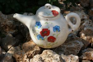 Théière en céramique blanche décor traditionnel coquelicots et bleuets