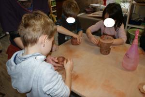 Animation poterie avec l'association Bouillon Cube