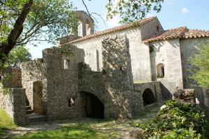 Chapelle romane Issensac